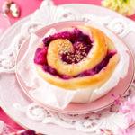 紫芋とりんごのうずまきロール