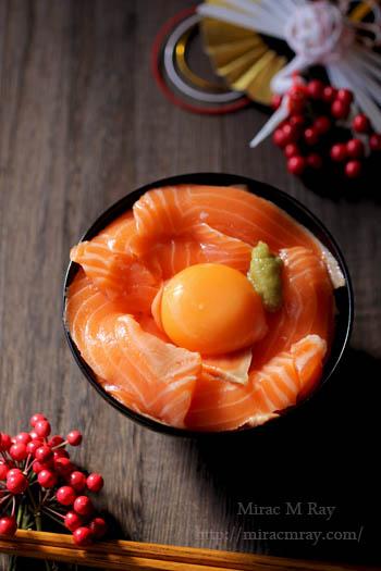 サーモン刺身卵かけご飯-1
