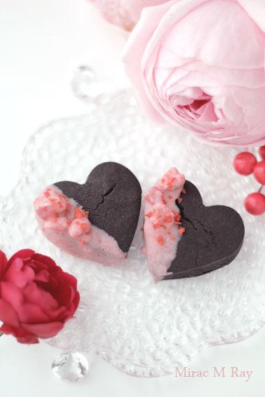 ハート形ストロベリーラッシュチョコレートがけブラックココアちんすこう レシピ