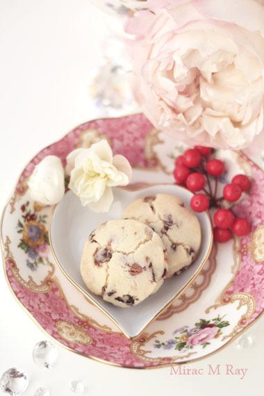 ストロベリーチョコチップ×クランベリーストロベリーマイン(苺鉱山)ちんすこう レシピ