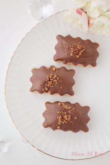 ミルクチョコがけピーナッツ&キャラメルクランチちんすこう レシピ