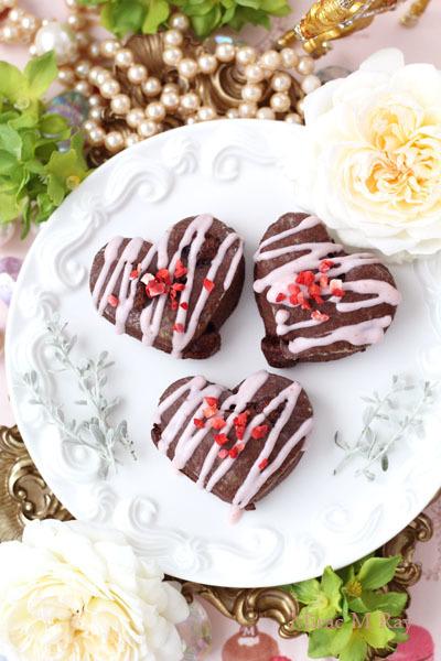 苺チョコがけぷっくりハート形ダブルチョコレートスコーン【レシピ】