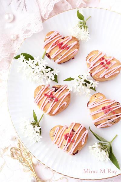 苺チョコがけぷっくりハート形クランベリースコーン【レシピ】