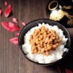 もち麦入り白米で納豆ご飯【レシピ】