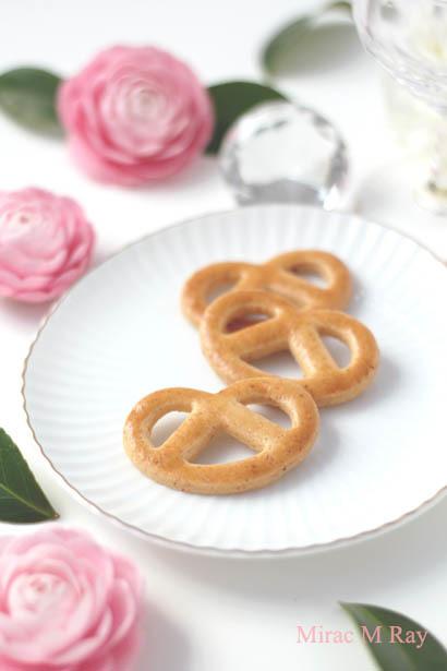 【レシピ】プレッツェル形チーズクッキー