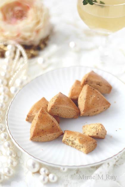 【レシピ】極さくほろ。厚焼きパルメザンチーズ&ブラックペッパーサブレクッキー