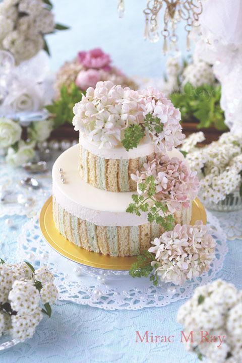 ミントブルー×クリームストライプ2段バニラババロアアントルメケーキ