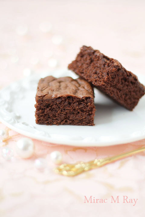 【レシピ】チョコレートブラウニー しっとり濃厚ふわほろねっとり冷やすとねっちりファッジver.
