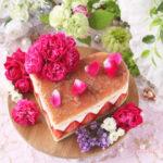 ハートフレジエ風薔薇と苺のカスタードババロア・アントルメケーキ