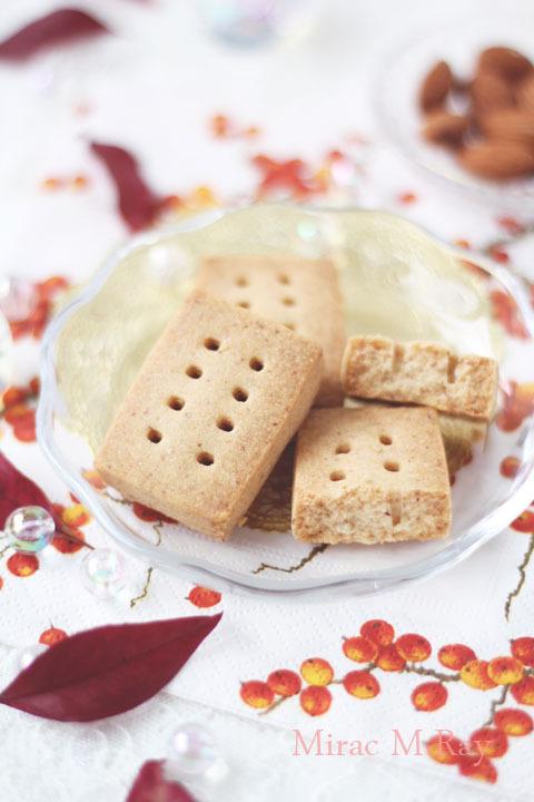 【レシピ】香ばしいアーモンドショートブレッド
